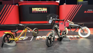 3 Custom Strider Bikes Delivers $16,000 for Flying Piston Benefit at Mecum Auction